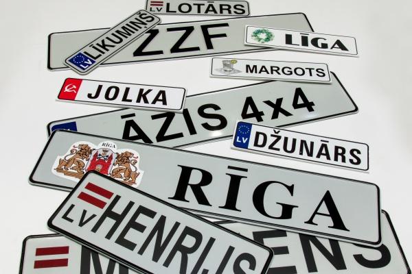 Auto numura zīmes